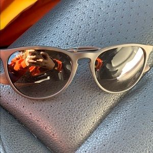 Ray bans (barely worn)
